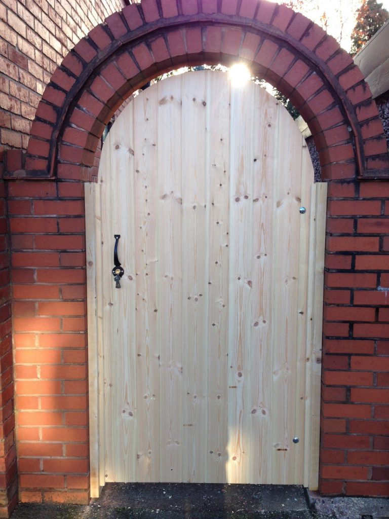 Arch LB Wooden Side Gates